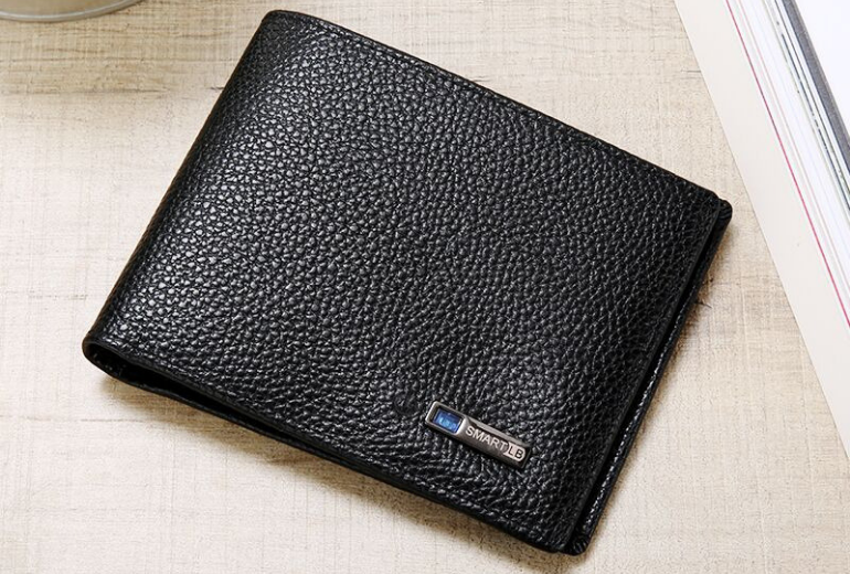 Louis Blanc Smart Wallet - usagadgetreview